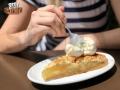 Ο τέλειος συνδιασμός! Σπιτική μηλόπιτα με μια μπάλα Ιταλικού παγωτού